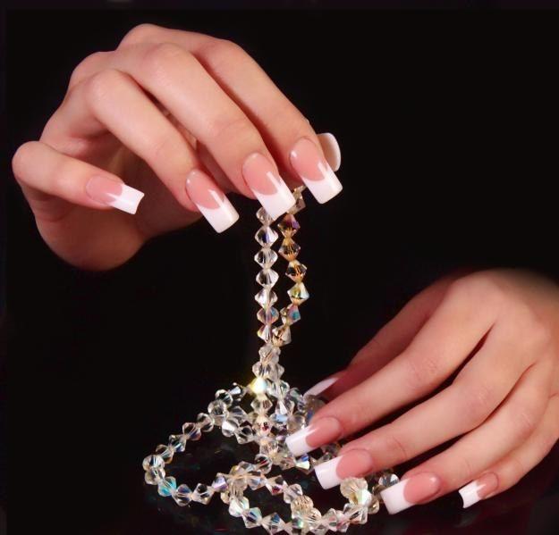 Що потрібно для нарощування нігтів