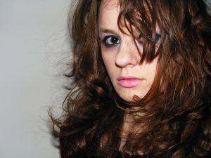Іноді шкода остригати довге волосся, а подивитися на себе з короткою зачіскою хочеться
