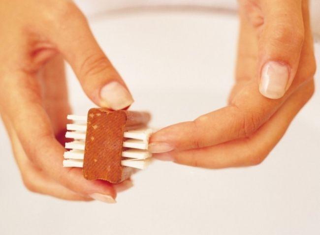 Як позбутися від жовтизни на нігтях