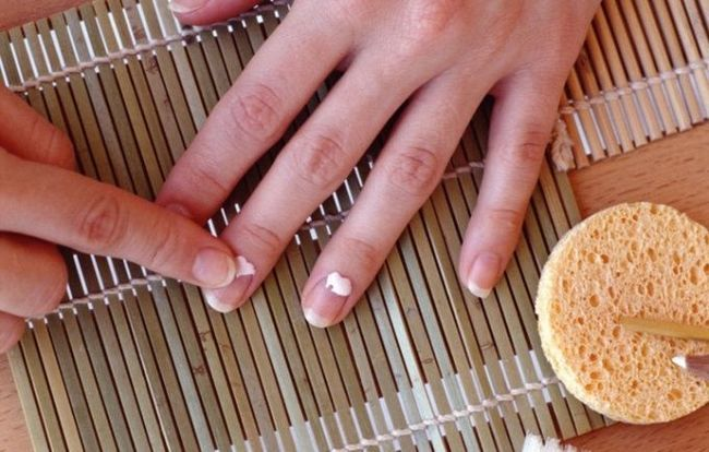 Як лікувати нігті, якщо вони шаруються