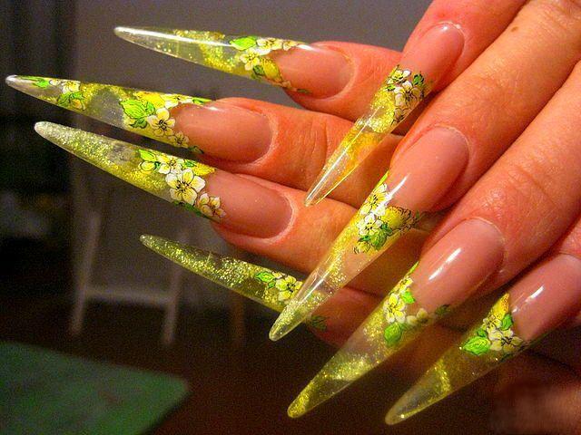 Як наростити гострі нігті