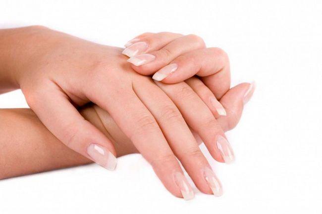 Як самостійно відновити здоров`я нігтів після нарощування