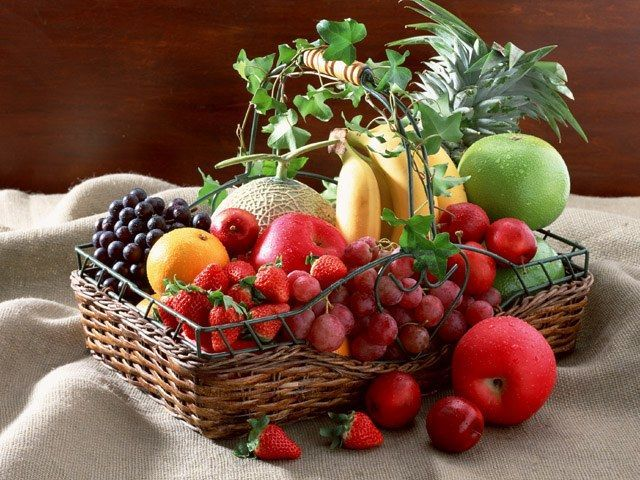 Які фрукти та овочі можна мамі, що годує