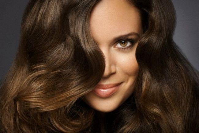 Чи можуть волосся міняти свій натуральний колір під час росту