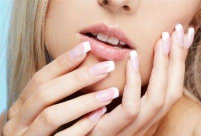 Нарощені нігті. Як акрил впливає на нігті?