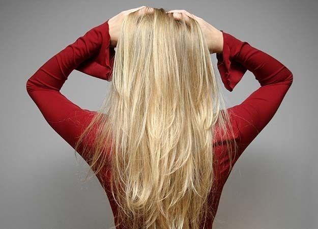 Чому волосся світле