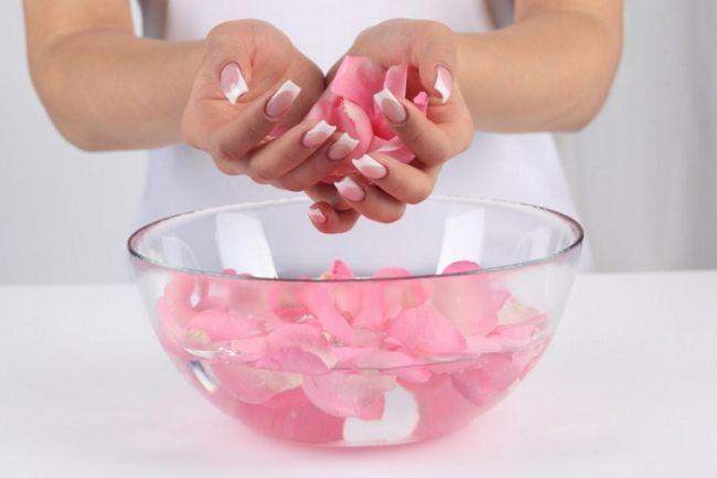 Рецепти масок для росту нігтів
