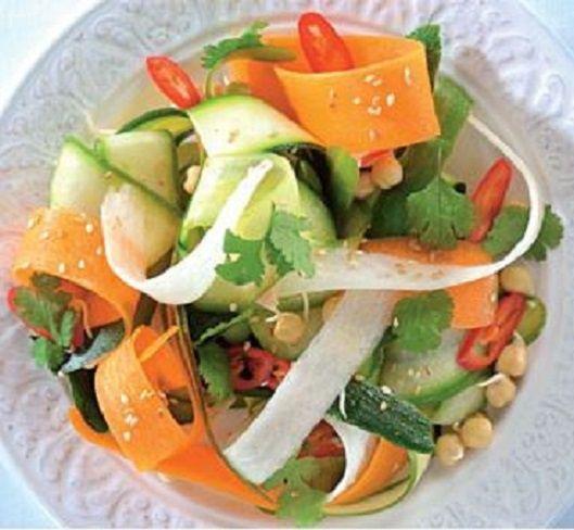 Салат з овочевої локшини